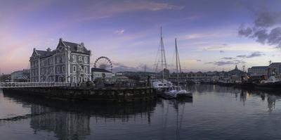 Victoria and Alfred Waterfront, (V and A Waterfront) (The Waterfront) at dawn, Cape Town, Western C