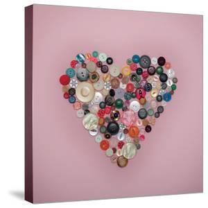 Buttons Heart by Ian Winstanley