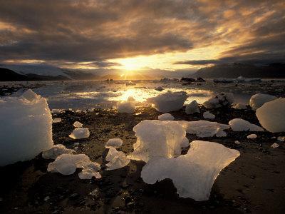 https://imgc.allpostersimages.com/img/posters/ice-bay-alaska-usa_u-L-P2OWNK0.jpg?p=0