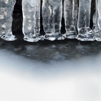 https://imgc.allpostersimages.com/img/posters/ice-creates-strange-scupltures-alpi-carniche-friuli-venezia-giulia-carnia-italy-italia_u-L-PZVLLG0.jpg?p=0