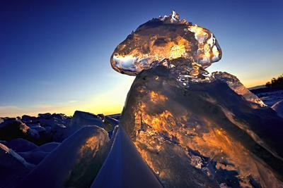 https://imgc.allpostersimages.com/img/posters/ice-formation-at-sunset-lake-baikal-siberia-russia-march_u-L-Q13AA1W0.jpg?p=0