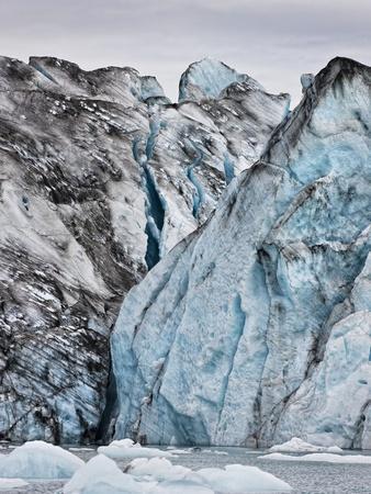 https://imgc.allpostersimages.com/img/posters/ice-walls-jokulsarlon-glacial-lagoon-breidarmerkurjokull-glacier-vatnajokull-ice-cap-iceland_u-L-PZS4LH0.jpg?p=0