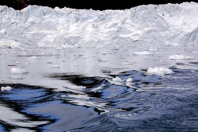 https://imgc.allpostersimages.com/img/posters/iceberg-and-waves-in-greenland_u-L-Q10VHKN0.jpg?p=0