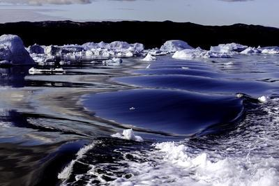 https://imgc.allpostersimages.com/img/posters/iceberg-and-waves-in-greenland_u-L-Q10VHMB0.jpg?p=0