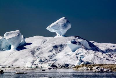 https://imgc.allpostersimages.com/img/posters/iceberg-in-greenland_u-L-Q10VHHZ0.jpg?p=0