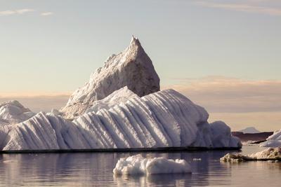 https://imgc.allpostersimages.com/img/posters/iceberg-in-greenland_u-L-Q10VHOE0.jpg?p=0