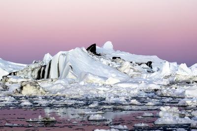 https://imgc.allpostersimages.com/img/posters/iceberg-in-greenland_u-L-Q10VHSS0.jpg?p=0