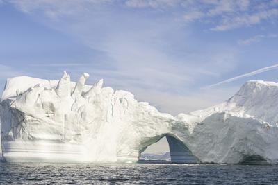 https://imgc.allpostersimages.com/img/posters/iceberg-in-the-uummannaq-fjord-system-greenland-danish-overseas-colony_u-L-Q1H22ZB0.jpg?artPerspective=n