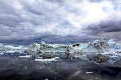 https://imgc.allpostersimages.com/img/posters/icebergs-and-pieces-of-ice-in-greenland_u-L-Q10VHPI0.jpg?p=0