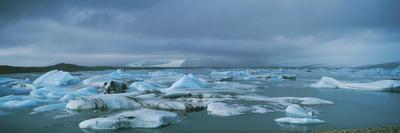 https://imgc.allpostersimages.com/img/posters/icebergs_u-L-PZIF6K0.jpg?artPerspective=n