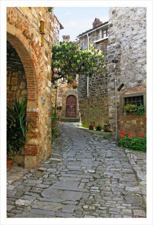 Path through Montefiorale