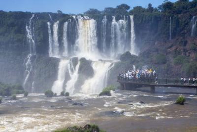 https://imgc.allpostersimages.com/img/posters/iguacu-falls-iguacu-national-park-brazil_u-L-PWFB1Y0.jpg?p=0
