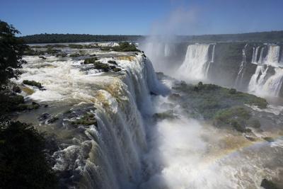 https://imgc.allpostersimages.com/img/posters/iguacu-falls-iguacu-national-park-brazil_u-L-PWFKTJ0.jpg?p=0