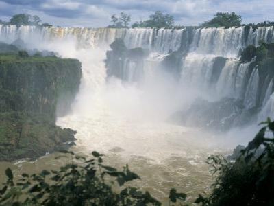 Iguacu (Iguazu) Falls, Border of Brazil and Argentina, South America