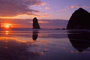 Cannon Beach II by Ike Leahy