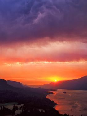 Columbia River Gorge III by Ike Leahy