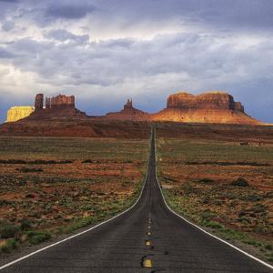 Monument Valley IV by Ike Leahy