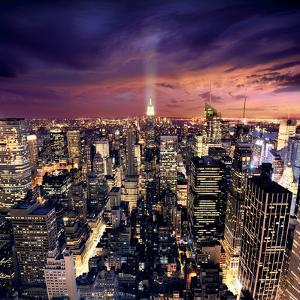 Big Apple after sunset, Manhattan, New York by Ilja Mašík
