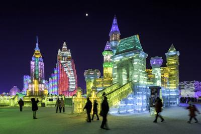 https://imgc.allpostersimages.com/img/posters/illuminated-ice-sculpture-at-the-harbin-ice-and-snow-festival-in-harbin-heilongjiang-province-chi_u-L-PWFQK20.jpg?p=0