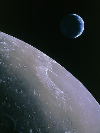 https://imgc.allpostersimages.com/img/posters/illustration-of-earthrise-seen-from-lunar-orbit_u-L-PZF8DX0.jpg?artPerspective=n