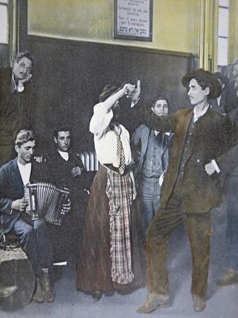 https://imgc.allpostersimages.com/img/posters/immigrants-in-folk-dance-on-ellis-island-new-york-harbor-1907_u-L-P94I1N0.jpg?p=0