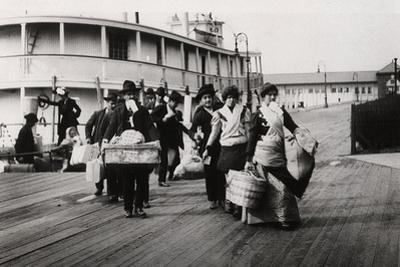 Immigrants to the USA Landing at Ellis Island, New York, C1900
