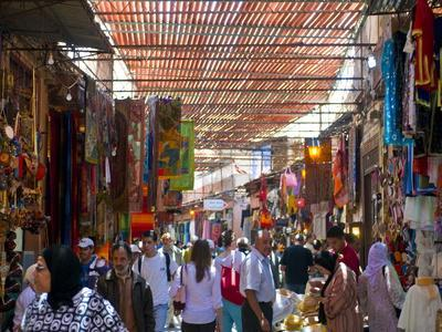 https://imgc.allpostersimages.com/img/posters/in-the-souk-marrakech-morocco-north-africa-africa_u-L-PFK99G0.jpg?p=0