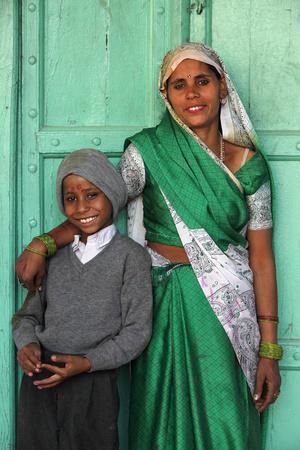 https://imgc.allpostersimages.com/img/posters/indian-mother-and-son-nandgaon-uttar-pradesh-india_u-L-Q1GYJO50.jpg?artPerspective=n