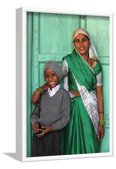 Indian mother and son, Nandgaon, Uttar Pradesh, India-Godong-Framed Photographic Print