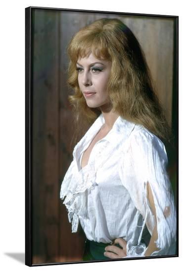 INDOMPTABLE ANGELIQUE, 1967 directed by BERNARD BORDERIE Michele Mercier (photo)--Framed Photo