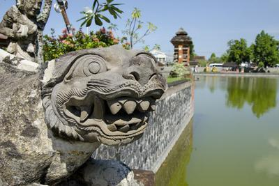 https://imgc.allpostersimages.com/img/posters/indonesia-mayura-water-palace-statue-of-mythical-creature_u-L-PU3GT00.jpg?p=0