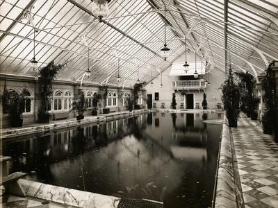 https://imgc.allpostersimages.com/img/posters/indoor-swimming-pool_u-L-PZMMHW0.jpg?artPerspective=n