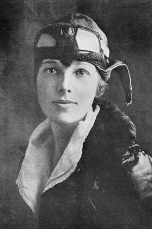 Amelia Earhart, US Aviation Pioneer