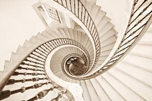 Helix vertigo by Inés Montenegro