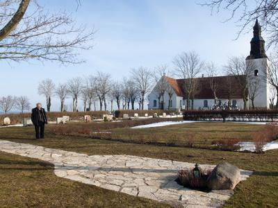 https://imgc.allpostersimages.com/img/posters/ingmar-bergman-s-grave-and-faro-kyrkorad-church-faro-island-off-of-gotland-island-sweden_u-L-PFNZZC0.jpg?p=0