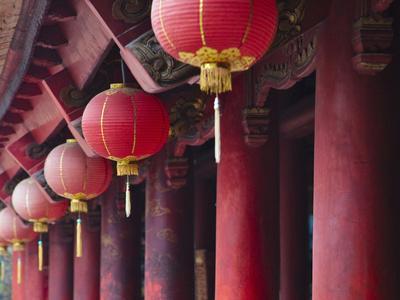 https://imgc.allpostersimages.com/img/posters/inside-literature-temple-vietnam_u-L-PHAN5S0.jpg?p=0