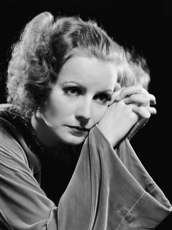 https://imgc.allpostersimages.com/img/posters/inspiration-1931-directed-by-clarence-brown-greta-garbo-b-w-photo_u-L-Q1C464C0.jpg?artPerspective=n