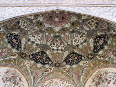 https://imgc.allpostersimages.com/img/posters/interior-detail-amber-fort-one-of-the-great-rajput-forts-amber-near-jaipur-india_u-L-P1UQW70.jpg?p=0