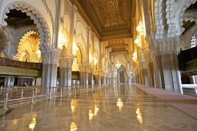 https://imgc.allpostersimages.com/img/posters/interior-of-hassan-ll-mosque-casablanca-morocco-north-africa-africa_u-L-PWFCFQ0.jpg?p=0