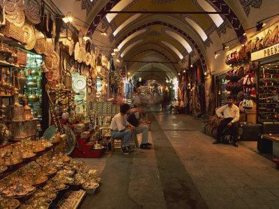 https://imgc.allpostersimages.com/img/posters/interior-of-the-grand-bazaar-in-istanbul-turkey-europe_u-L-P7X7900.jpg?p=0