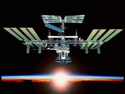 https://imgc.allpostersimages.com/img/posters/international-space-station_u-L-PZIPKR0.jpg?artPerspective=n
