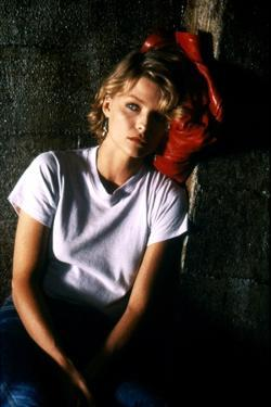 INTO THE NIGHT, 1984 directed by JOHN LANDIS Michelle Pfeiffer (photo)