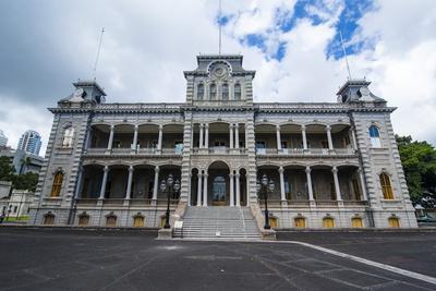 https://imgc.allpostersimages.com/img/posters/iolani-palace-honolulu-oahu-hawaii-united-states-of-america-pacific_u-L-PQ8PLZ0.jpg?p=0