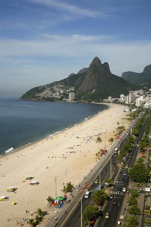https://imgc.allpostersimages.com/img/posters/ipanema-beach-rio-de-janeiro-brazil-south-america_u-L-PIAMNQ0.jpg?p=0