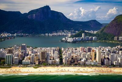 https://imgc.allpostersimages.com/img/posters/ipanema-beach_u-L-Q1039DW0.jpg?p=0