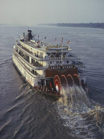 The Delta Queen, a Steamboat, Makes its Way up the Mississippi River by Ira Block