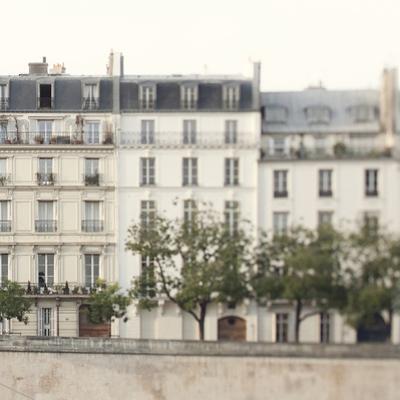 Amour de la Ville - Maison by Irene Suchocki