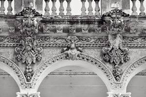 Columnata I by Irene Suchocki