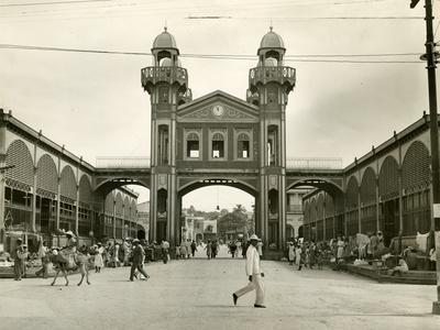 https://imgc.allpostersimages.com/img/posters/iron-market-in-port-au-prince-1953_u-L-PPQUBP0.jpg?p=0