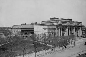 Metropolitan Museum of Art by Irving Underhill